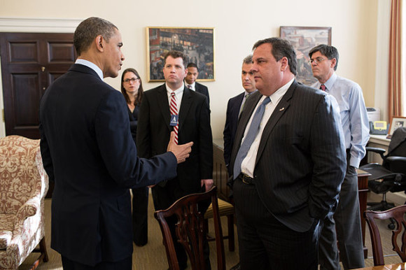 640px-Barack_Obama_and_Chris_Christie_in_the_White_House